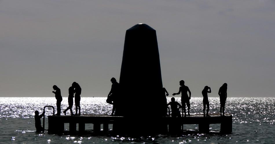 IMAGE: http://clintcookphotography.com/canon/aruba2.jpg